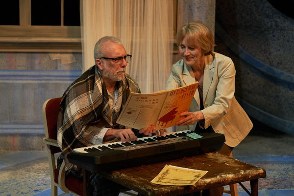 """""""A Tree, Falling"""" directed by Michael Dorsey and played by Jerry Vogel and Kari Ely,  Photo"""