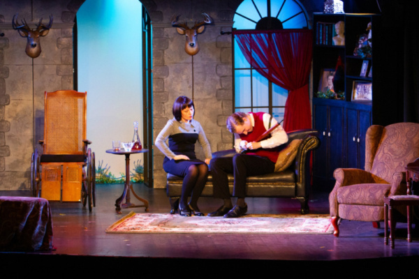 Brenda Bell and Jack Flatley in The Unexpected Guest - the Players Theatre  Photos by Martin Harris