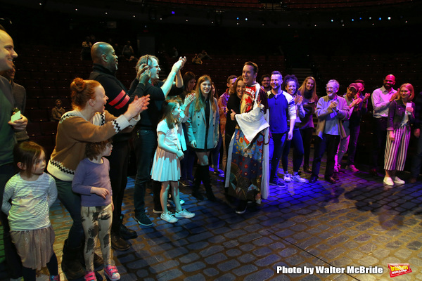 Matt Wall with Cameron Adams, Harry Hadden-Paton, Lauren Ambrose, Bartlett Sher and cast