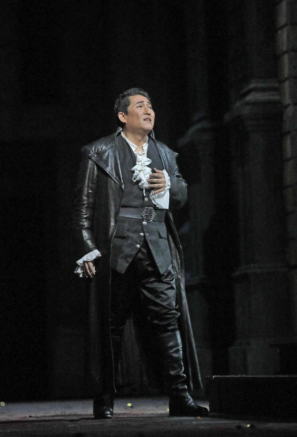 Andrea Shin as Roméo in Gounod's Roméo et Juliette. Photo by Ken Howard / Met Opera