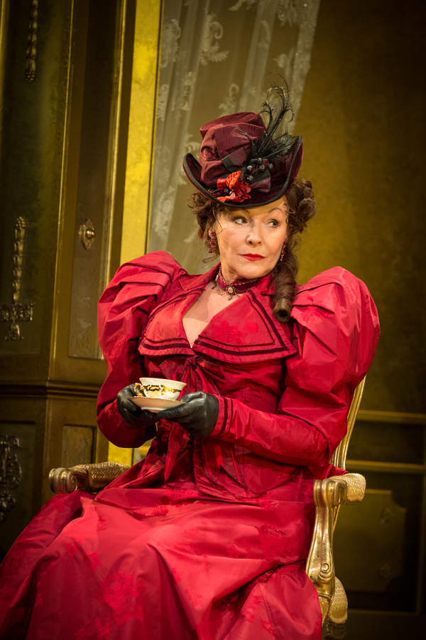 Photos: Classic Spring Stages AN IDEAL HUSBAND