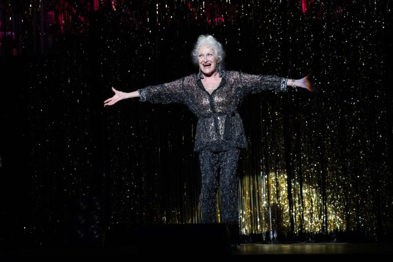 BWW Review: THE FULL MONTY at the Warner Theatre