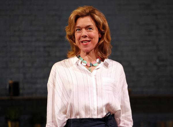 Janie Dee