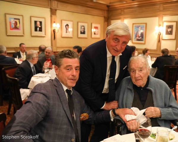 Photo Coverage:  Dean Larry King at His Table as The Friars Club Salutes Le Cirque