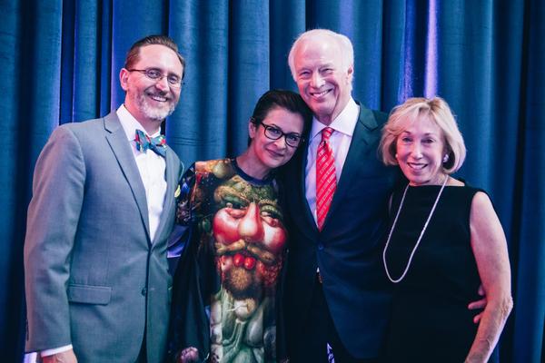 David  Schmitz,  Artistic  Director  Anna  D.  Shapiro,  John  R.  Walter  and  Caro Photo
