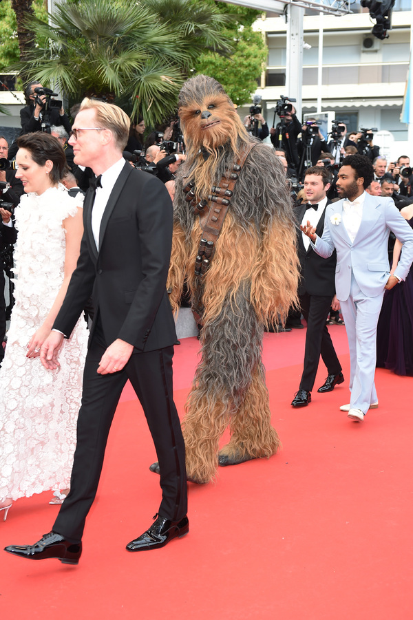 Photo Flash: The Stars of SOLO: A STAR WARS STORY Storm the Red Carpet at the European Premiere