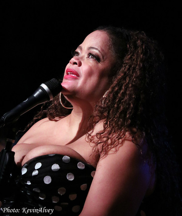 Photo Flash: Natalie Douglas Comes to Broadway at Birdland