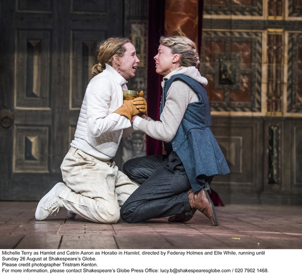 Photo Flash: First Look at HAMLET at Shakespeare's Globe