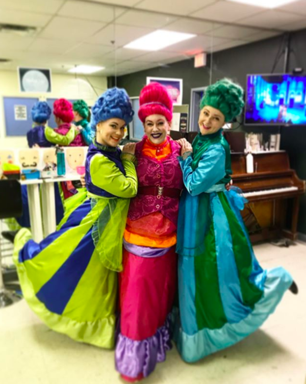 Photo Flash: The Ladies of WICKED Are Royal-Wedding-Ready, and More Saturday Intermission Pics!