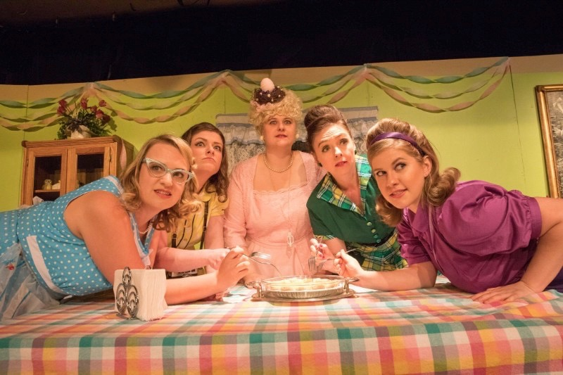 BWW Review: FIVE LESBIANS EATING A QUICHE at Fantastic.Z is a Scrumptious Slice of Crazy