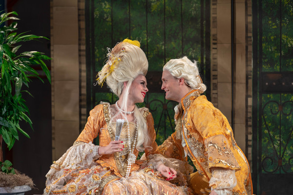 Emily Stockdale (Lina Lamont) and Danny Gardner (Don Lockwood)