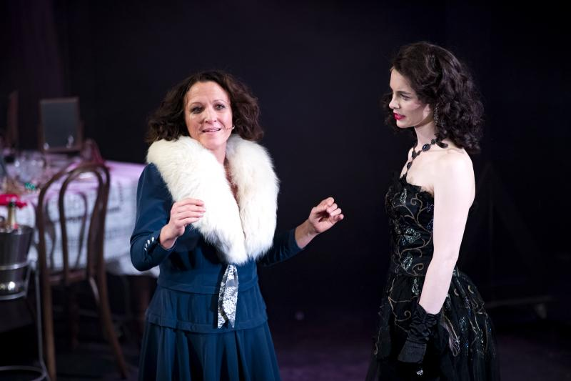 BWW REVIEW: The Story Of The Ultimate Overbearing Stagemother Plays Out In GYPSY