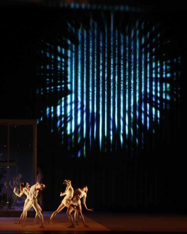 Scene from Wayne McGregor's AFTERITE. Photo: Marty Sohl. Photo