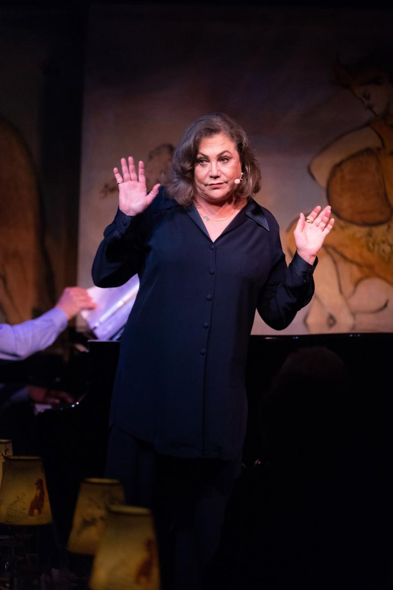 BWW Review: Kathleen Turner Harnesses Her Power in FINDING MY VOICE at Cafe Carlyle