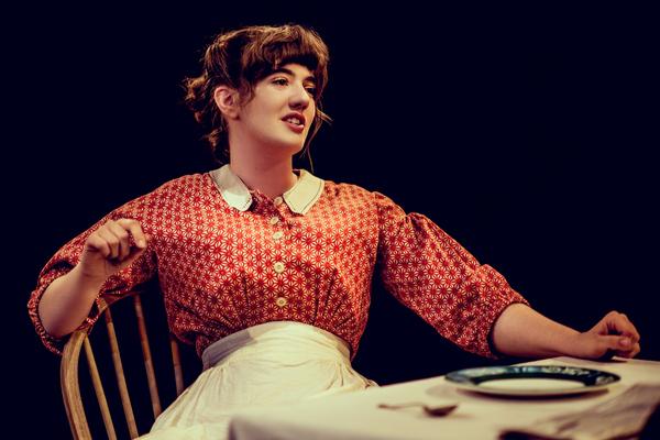 Ellie Nunn (Minnie Gascoyne)