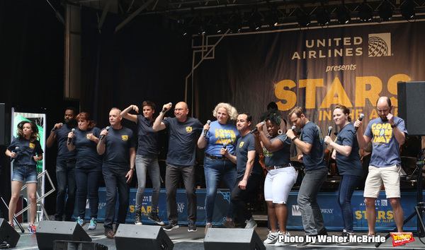 Photos: Check Out Photos From STARS IN THE ALLEY, Including Performances by DEAR EVAN HANSEN, SPONGEBOB, and More