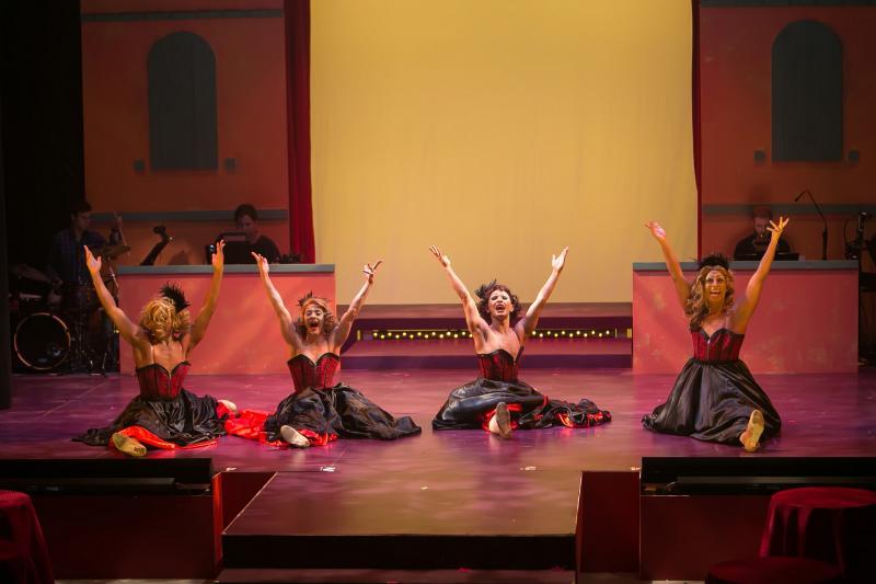 BWW Review: LA CAGE AUX FOLLES Dazzles at the Redhouse Arts Center