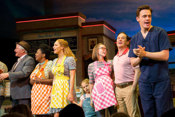 Photo Coverage: Erich Bergen Takes His First Bows In WAITRESS