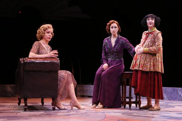 Ellen Harvey (Vera Charles), Paige Davis (Mame Dennis), Lauren Cohn (Agnes Gooch)  Photo