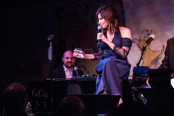 Photo Flash: Actress Gina Gershon Makes Cafe Carlyle Debut