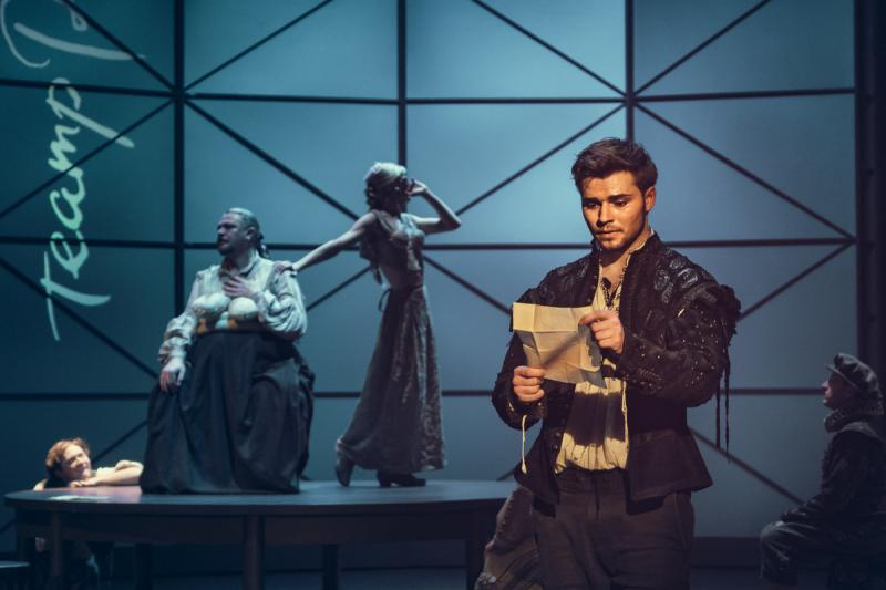BWW Review: SHAKESPEARE IN LOVE at Moscow Pushkin Drama Theatre