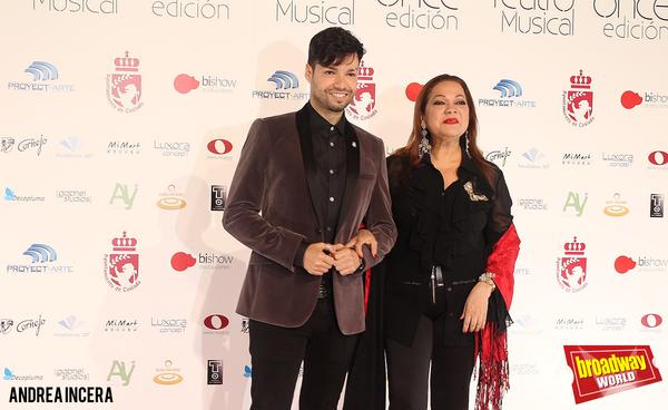 PHOTO FLASH: La alfombra roja de los Premios de Teatro Musical