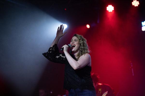 Photos: Adam Kaplan, Ben Fankhauser, and More Sing Kelly Clarkson at Highline Ballroom