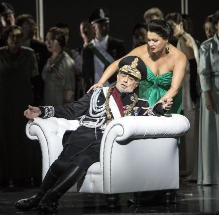 BWW Review: MACBETH at STAATSOPER UNTER DEN LINDEN - Superstars Netrebko and Domingo miscast in a glittering new production of Verdi's MACBETH