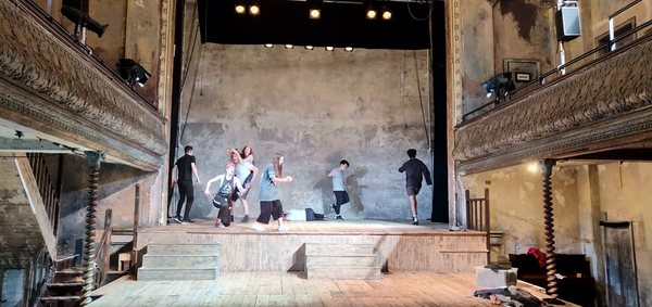 Photos: Inside Rehearsal For A MIDSUMMER NIGHT'S DREAM at Wilton's Music Hall