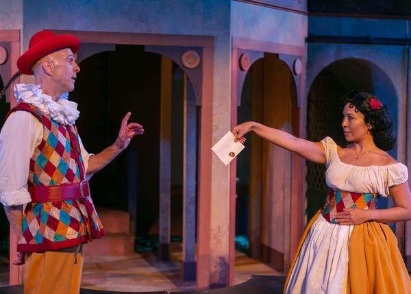 James Michael Reilly as Truffaldino and Aurea Tomeski as Smeraldina