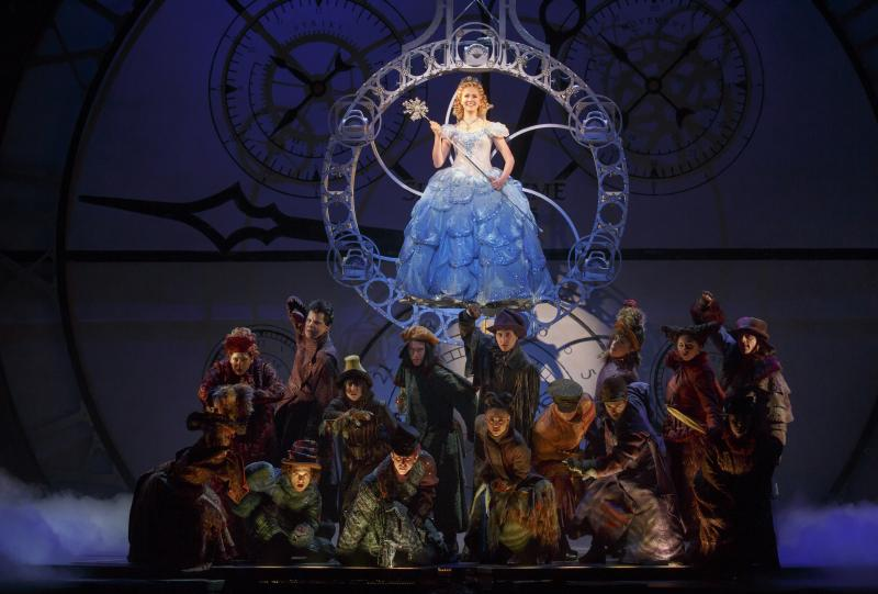 BWW Review: WICKED Shows No Signs of Slowing Down