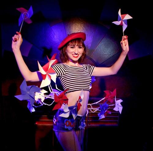 BWW Review: PARISIAN DREAM Une CRÈME de la FRENCH FANTASY at Assistance League Playhouse