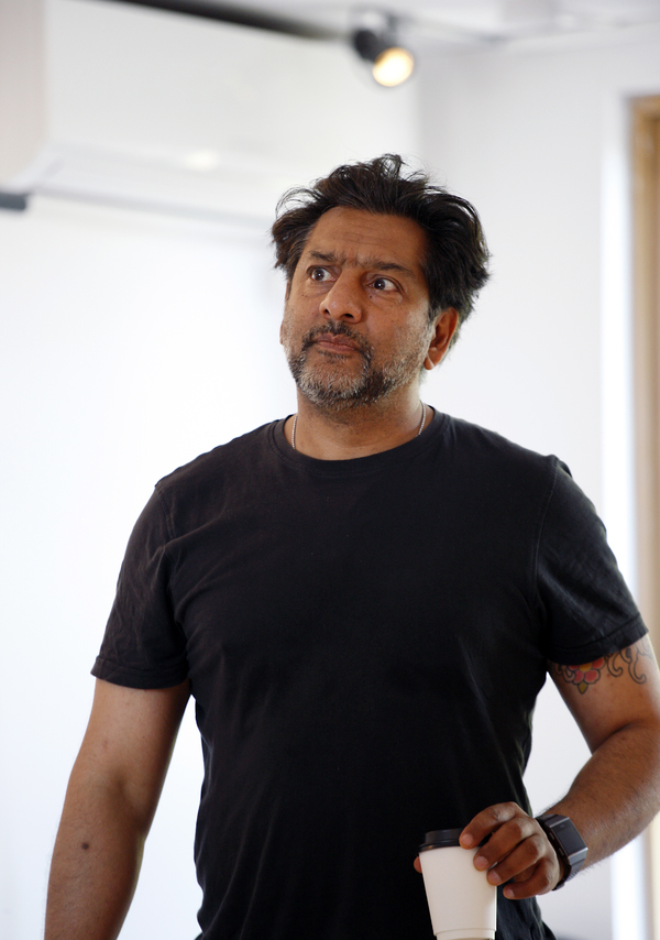 Photos: In Rehearsal With Les Dennis, Blake Harrison, Nitin Ganatra and Tala Gouveia in END OF THE PIER at Park Theatre