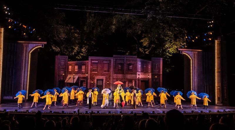 BWW Review: SINGIN' IN THE RAIN is a Splashy Summer Hit