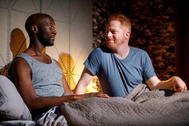 BWW Review:  Jesse Tyler Ferguson As A Gay Man Facing His Own Privilege in Jordan Harrison's LOG CABIN