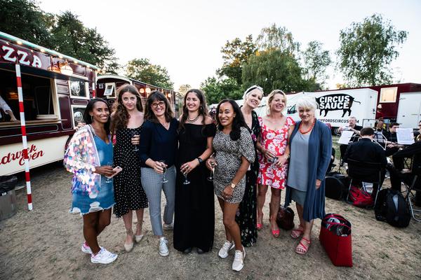 Photo Flash: Jennifer Saunders, Anna Friel and More Visit MY BEAUTIFUL CIRCUS