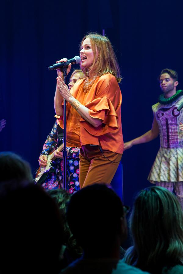 Belinda Carlisle Photo