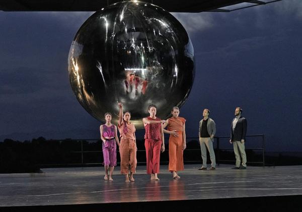 DANCERS, RYAN MCKINNY (ROBERT OPPENHEIMER), AND ANDREW HARRIS (EDWARD TELLER)