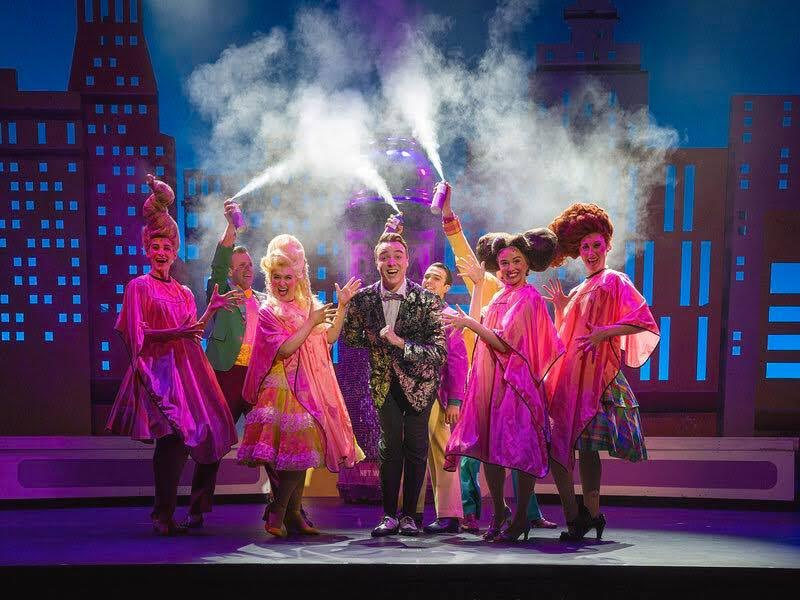 BWW Review: HAIRSPRAY at The Argyle Theatre