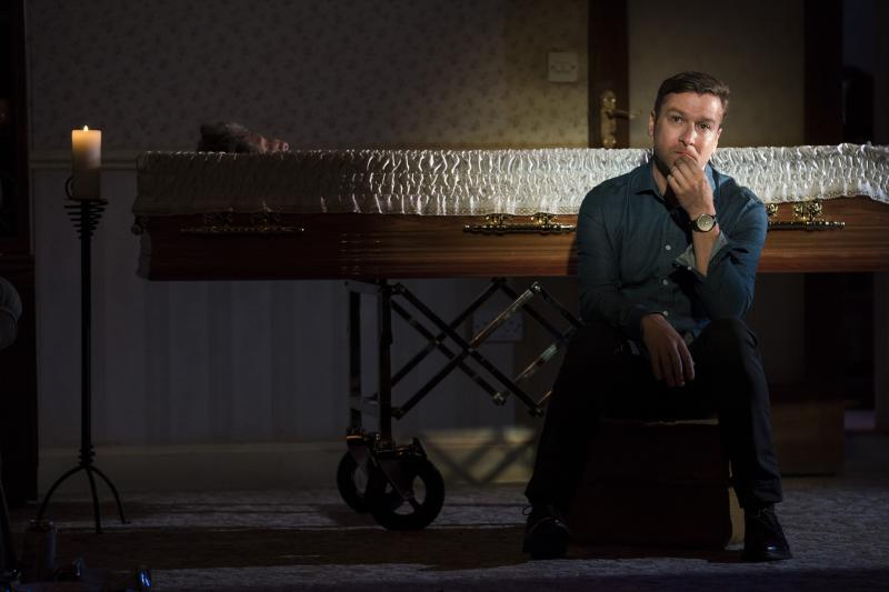 BWW Review: COME ON HOME feels the pulse of Ireland at The Abbey Theatre