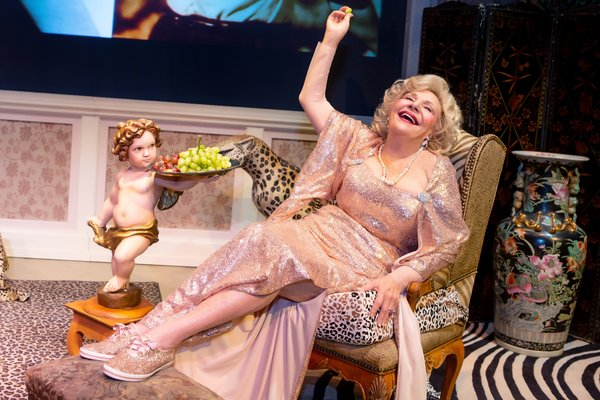 Photo Flash: Renee Taylor Charms in MY LIFE ON A DIET