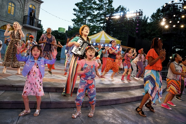Photo Flash: First Look at Nikki M. James, Shuler Hensley & More in Public Works' TWELFTH NIGHT in the Park!