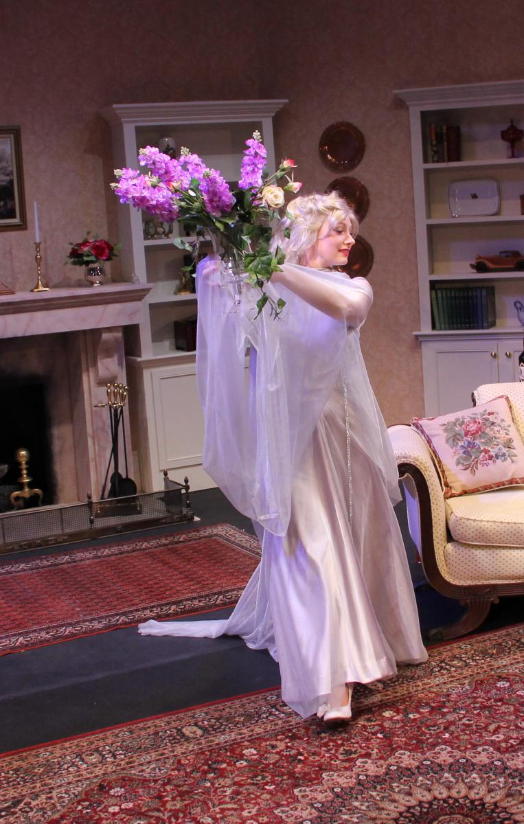BWW Review: Elements Theatre Company's BLITHE SPIRIT Is A Visual Feast of Noël Coward's Comedic Core