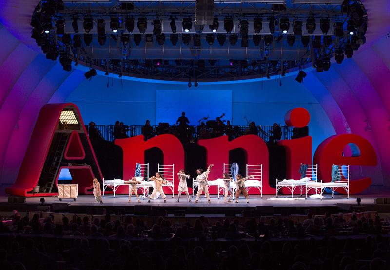 BWW Review: Salonga, Grier, Hilty, Bart & Company Lead Charming Arden-directed ANNIE at the Hollywood Bowl