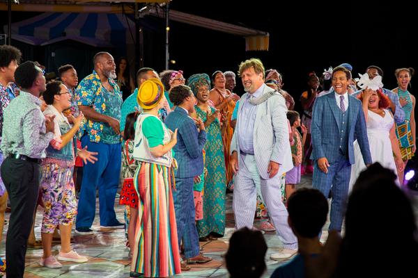 Oskar Eustis and the cast of TWELFTH NIGHT