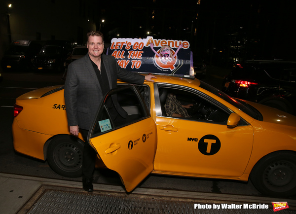 Photo Coverage: The Cast of AVENUE Q Arrives to 15th Anniversary Performance in Style