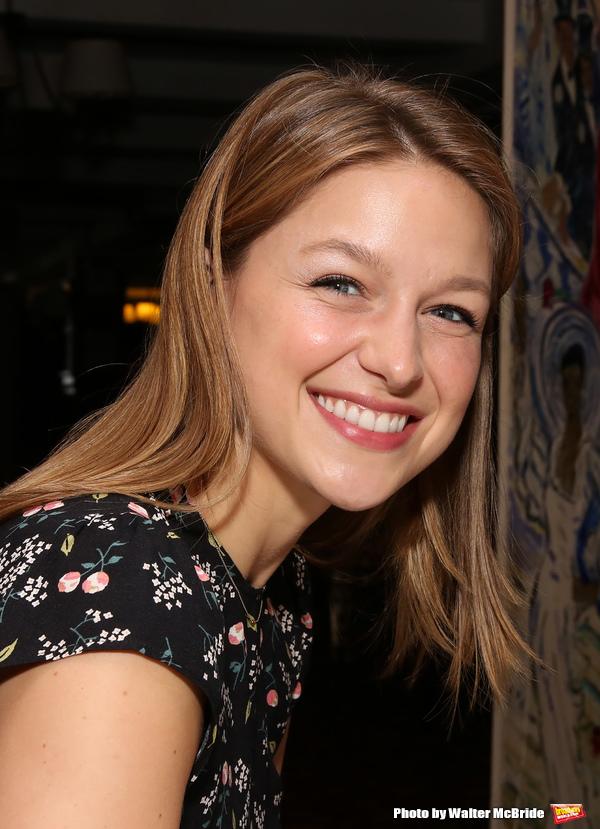 Photo Coverage: Supergirl Comes to Sardi's! Melissa Benoist Receives Her Portrait