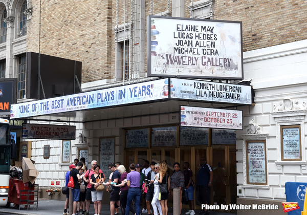 Broadway Theatre Marquee unveiling for Kenneth Lonergan's acclaimed memory play 'The  Photo