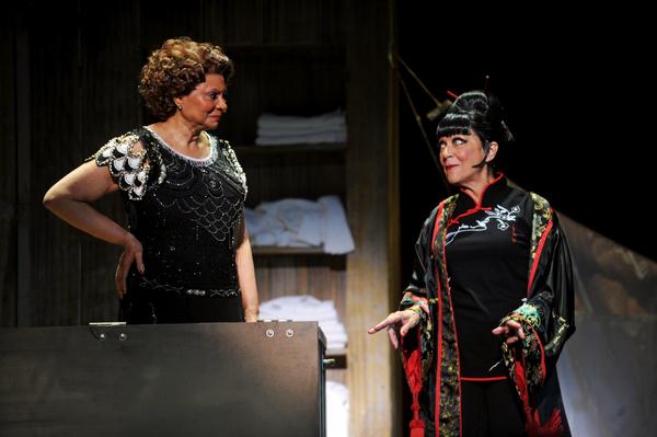 Leslie Uggams and Lenora Nemetz
