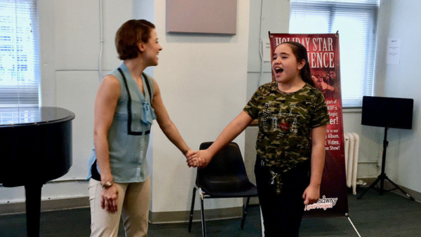 Jenn Gambatese danced with first-timer Ariadna Sahagun (Mexico) to make her feel at home amongst young Broadway and up-and-coming stars.